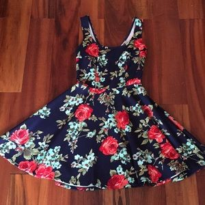 Cute floral spring/summer dress!